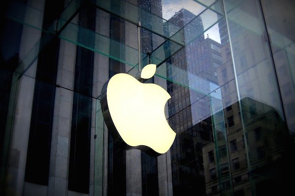 APPLE THINKS BIG – NEXT STEP IN APPLE DESIGN: AUGMENTED REALITY