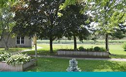 Jardin à la maison de soins de longue durée Cambridge Country Manor