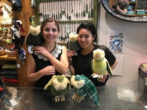 Katie and Ann from Pauanesia with kākāpō soft toys
