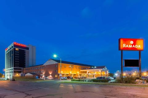 Ramada by Wyndham - Topeka, Kansas