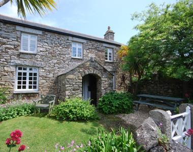 Reen Manor Farmhouse
