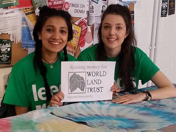 Sophia Rasheed and Danielle Lawton, two Leeds University students hitchhiking for WLT. © Danielle Lawton.
