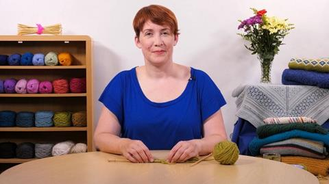 How to Knit - Casting on with Rosee Woodland